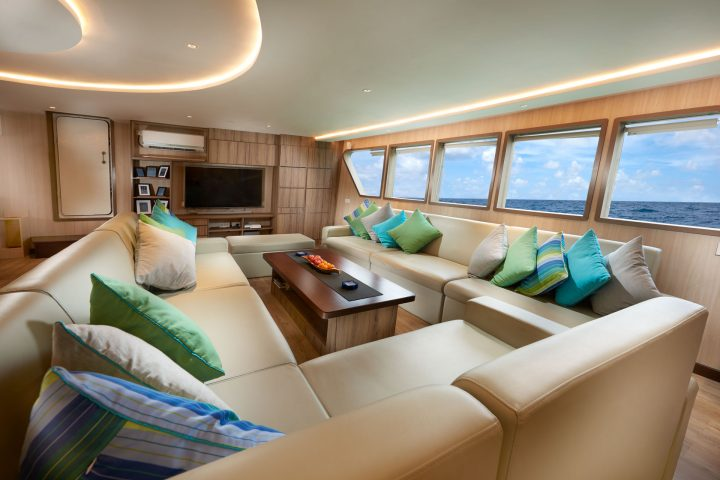 Dive Gaia - Gaia Love- Luxury Liveaboard saloon